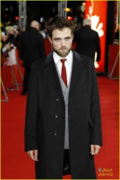 LIFE-Premiere-@ Berlinale international Film Festival 2015 - Grooming f. Robert-Pattinson